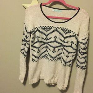 Women's long sleeved sweater